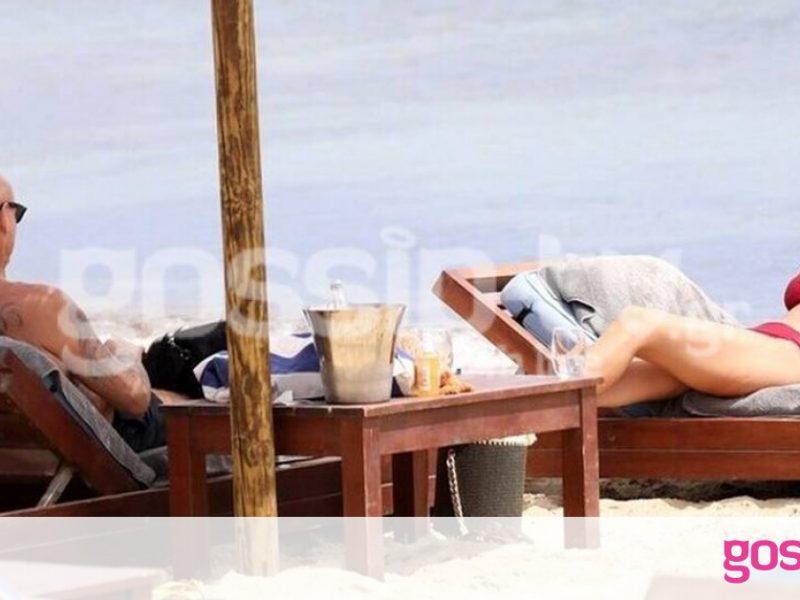 Χριστίνα Κοντοβά – Τζώννυ Καλημέρης: Λιάζονται σε παραλία της Μυκόνου (photos)
